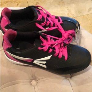 New Women's Easton Pink &black baseball cleats 7.5